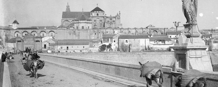 Un acercamiento intimista y evocador a Andalucía, en imágenes y versos