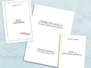 Soledad Becerril dona tres documentos al Centro Documental de la Autonomía de Andalucía